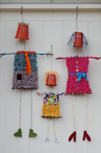 Flowerpot people - crafts in the garden